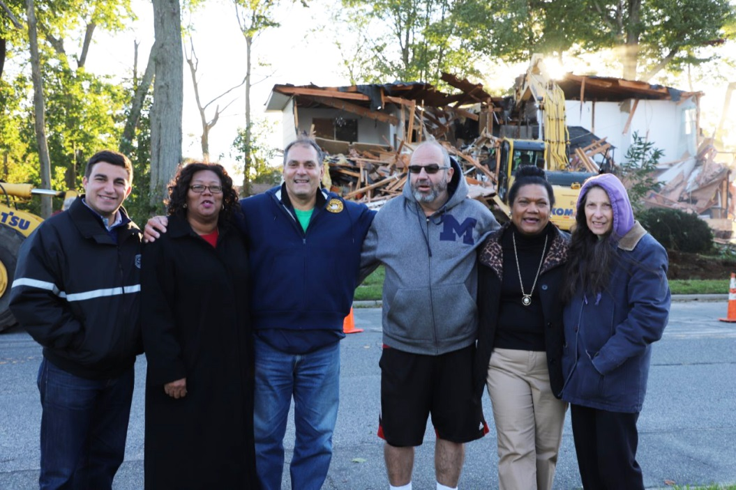 Town Demolishes Longtime Community Eyesore in Massapequa