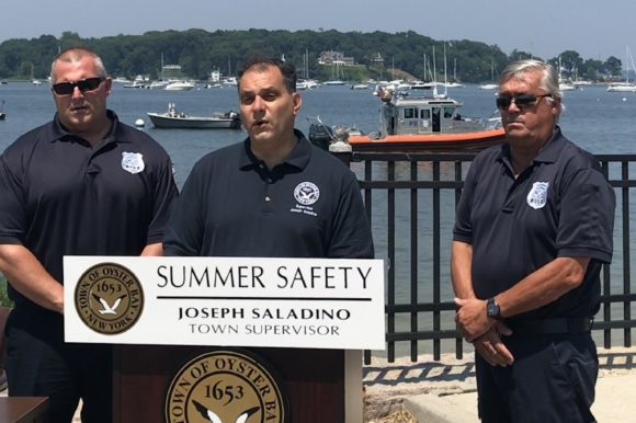 Supervisor Signs Executive Order Restricting Speed in Oyster Bay Harbor for July 4th