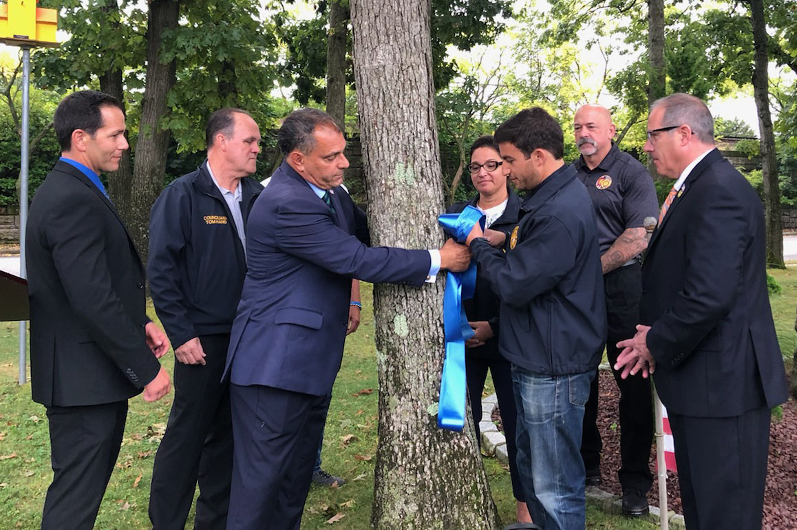 Town and Police Officials Launch 'Back the Blue' Ribbon Campaign